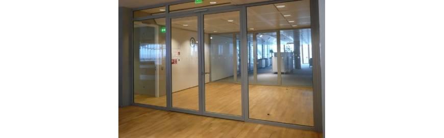 Portes métalliques vitrées